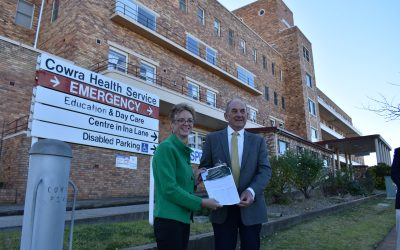 Cooke launches petition for Cowra Hospital